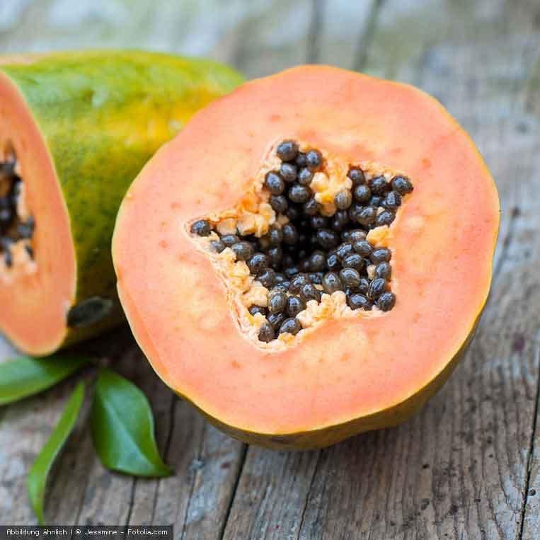 frische Papaya aufgeschnitten