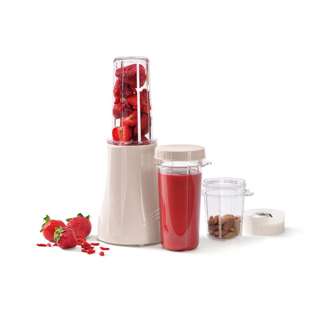 Personal Blender PB150 mit Erdbeeren